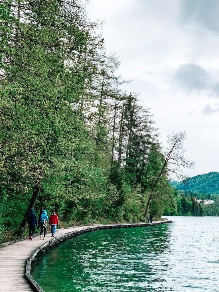 Trasa spacerowa wokół Jeziora Bled