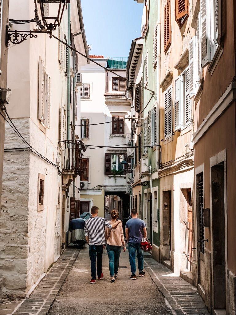 Spacer uliczkami Piranu