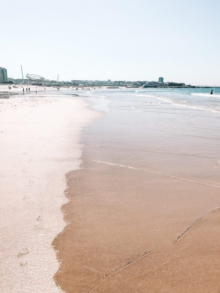 Szerokie plaże w Porto