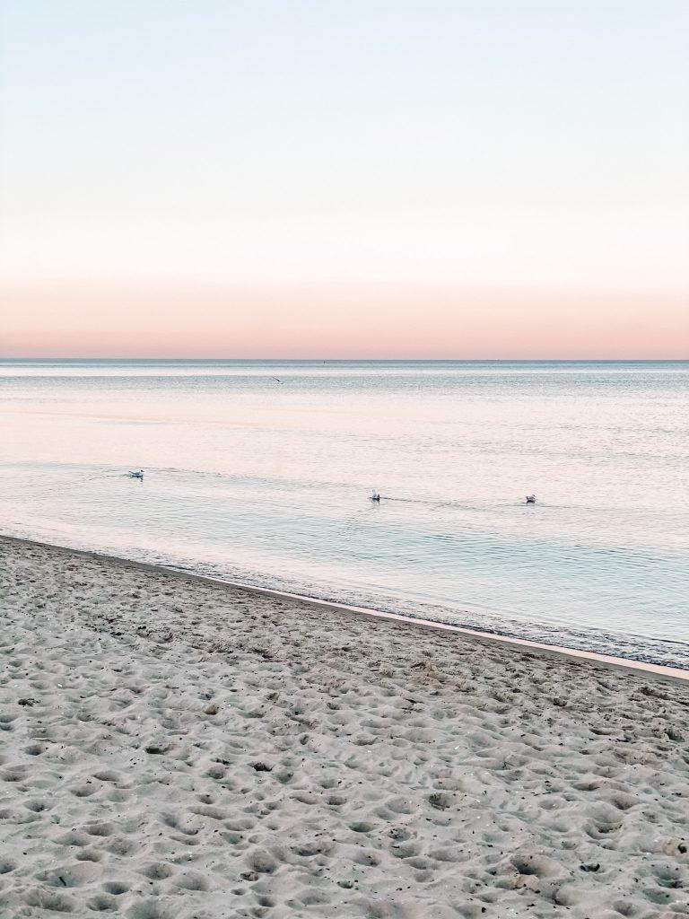 Plaża w Sopocie o zachodzie