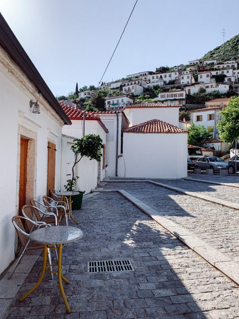 Albania miasteczko Vuno