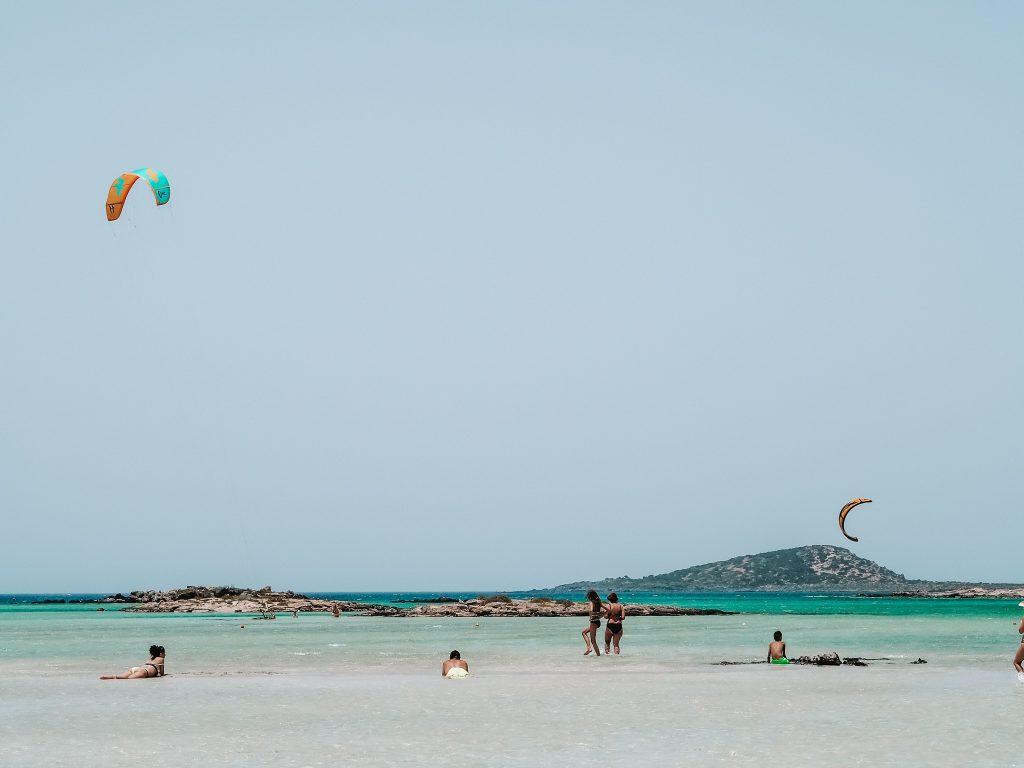 Kitesurferzy na Elafonisi