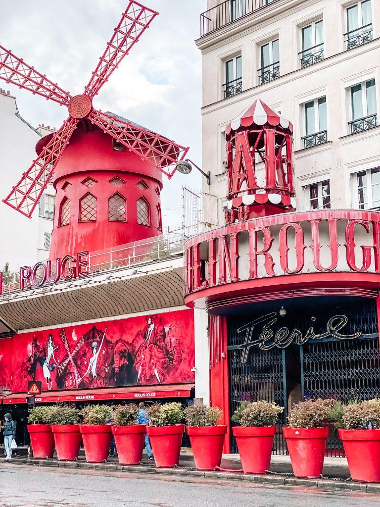 Moulin Rouge Paryż blog